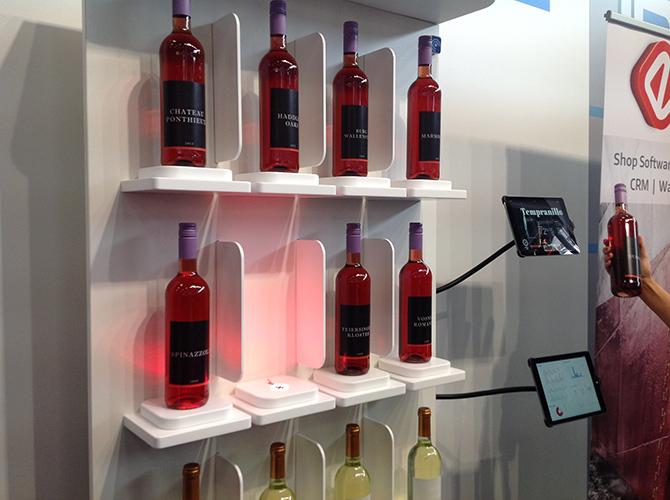 """Welcher Wein passt? Frag das """"Smart Wineshelf"""""""